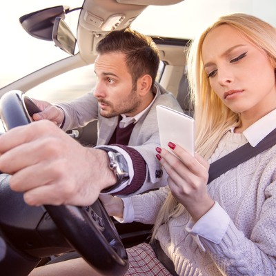 Tip of the Week: 4 Life-Saving Alternatives to Driving While Distracted